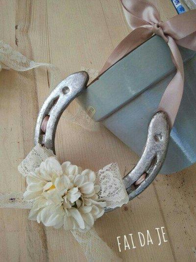 ferro di cavallo con fiori