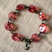 B38.14 - Bracciale rosso con bottoni