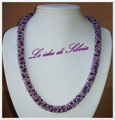 Collana spirale di perline mix viola