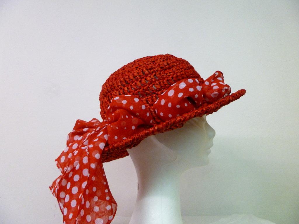 cappello in rafia rosso