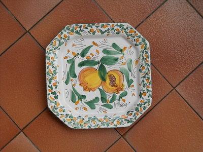 Piatto ottagonale in ceramica