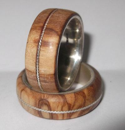 Anello d'argento 925 con legno di ulivo con treccia d'argento