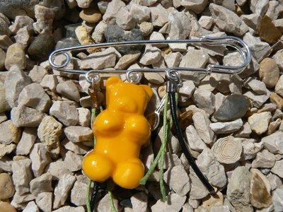broche ourson jaune