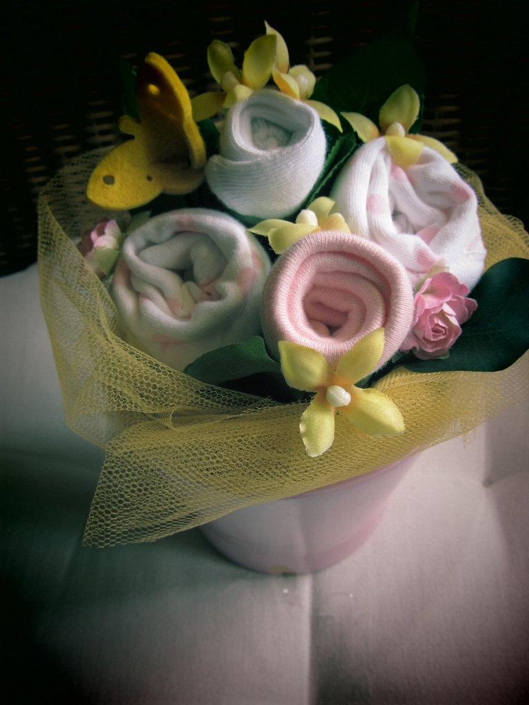 """idea regalo nascita bimba """"Bocciolino fragole e farfalle"""""""