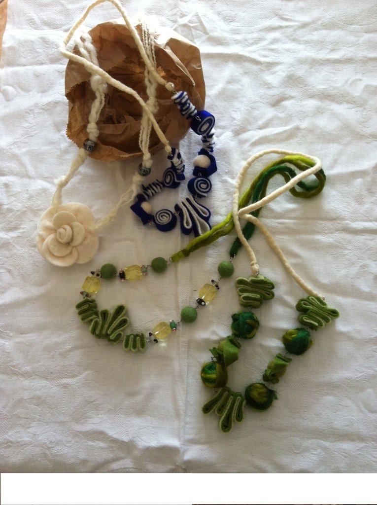 collane in fibre tessili