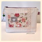 Pochette in cotone con appliquè rose,pizzi,bottoni
