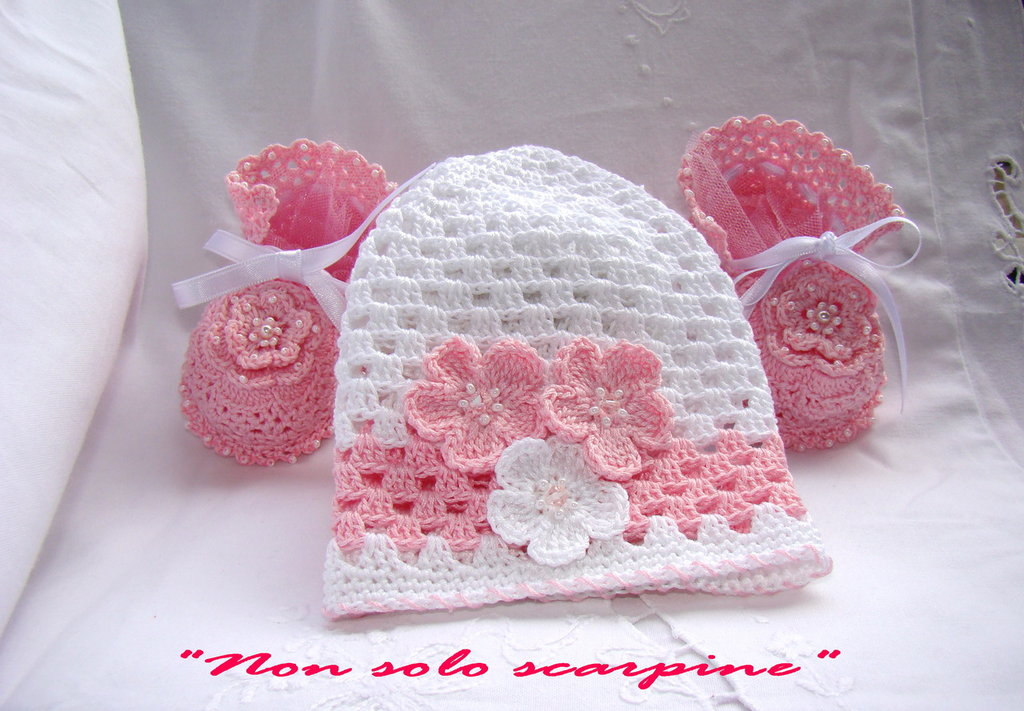 Set cappello e scarpine per 0-3 mesi - Caramella