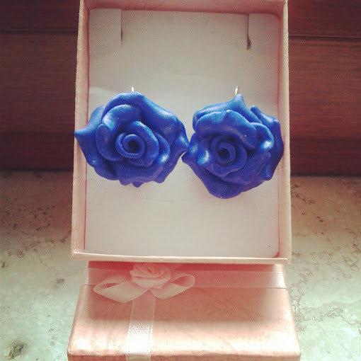 orecchini monachella rosa blu mare realizzati a mano in fimo