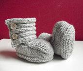 Scarpette Neonato realizzate ai ferri-Stivaletti stile Ugg in lana merino-taglia 3/6 mesi-28 colori disponibili