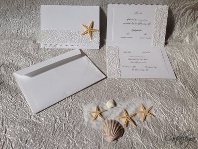 Partecipazione tema mare con busta fatta a mano, stelle marine e/o conchiglia e nastro retato