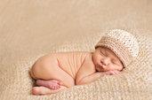 Cappello primaverile in cotone taglia 0-3 mesi lavorato all'uncinetto,per neonato e neonata.