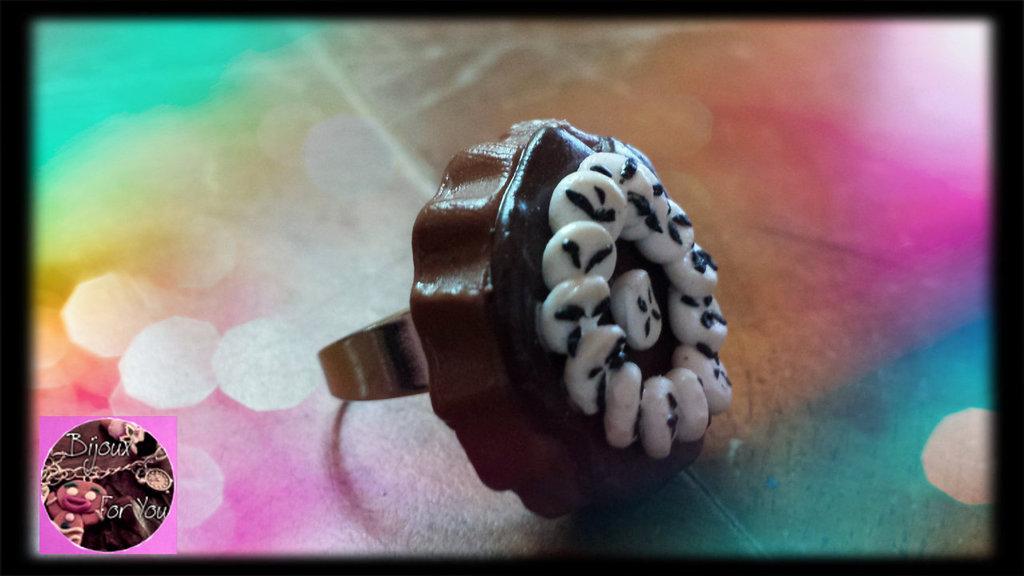 Anello torta cioccolato con banane