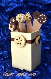 Porta penne con biscotti
