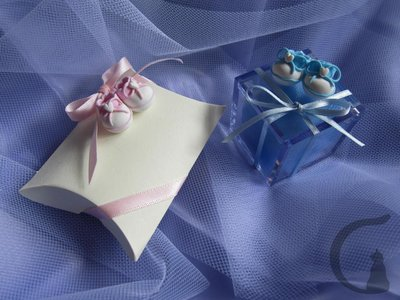 Scarpine realizzate e decorate interamente a mano utilizzando pasta FIMO ideali per decorare le vostre bomboniere