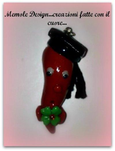bomboniera laurea corno rosso porcellana fredda