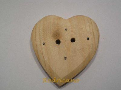Botón corazón cipres