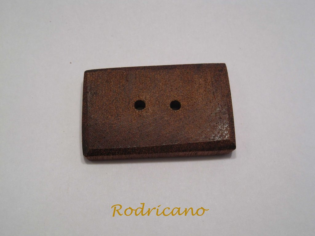 Botón rectangular caoba