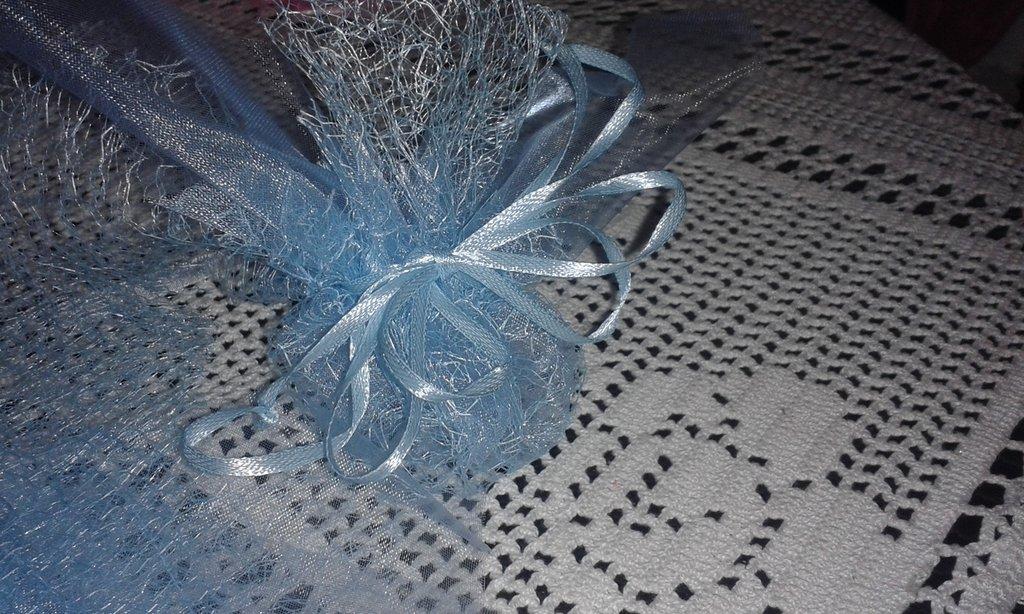 Sacchetto bomboniera in organza decorata