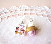 Orecchini con cupcake rosa e mini libro in fimo