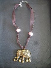 Collana in organza e pendente 'elefante'