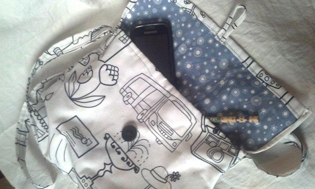 borsetta tracolla fantasy bianca e nera
