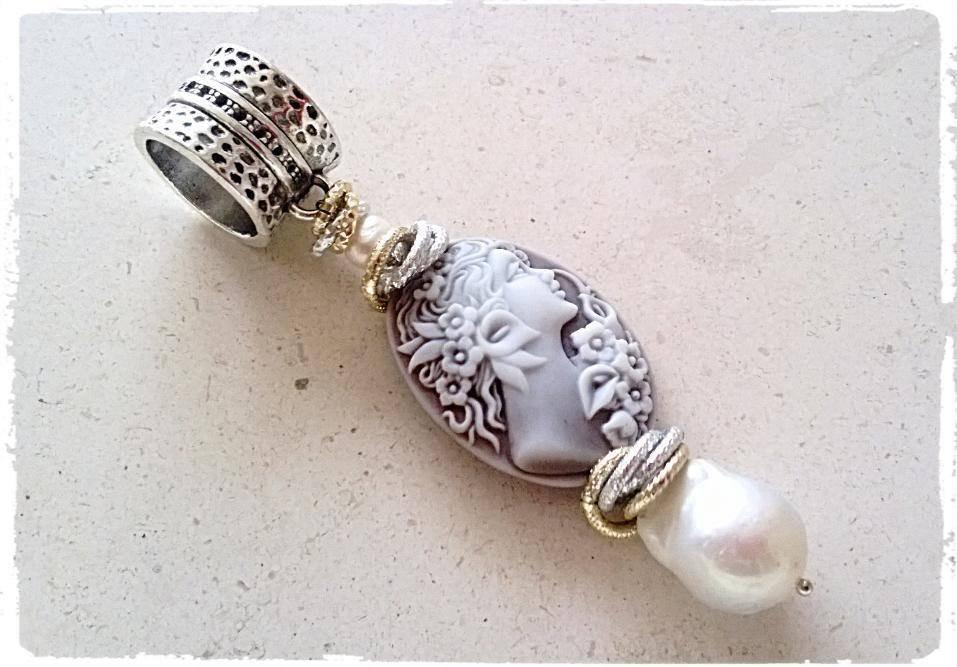 Ciondolo Cammeo e perle barocche