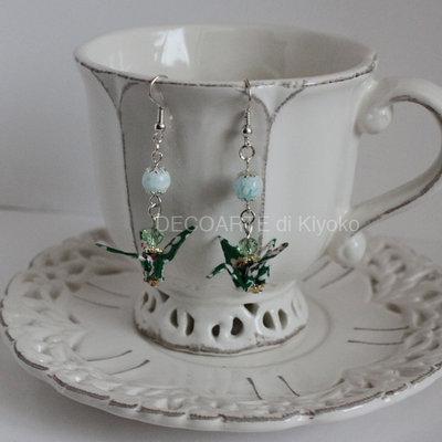 Orecchini Origami Gru verdi perline bianche
