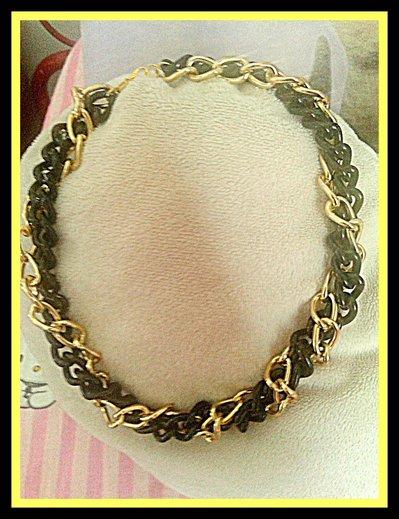 collier oro nero