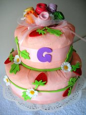 """Torta di pannolini """"Fiore e fragolina"""" – Cake design style"""