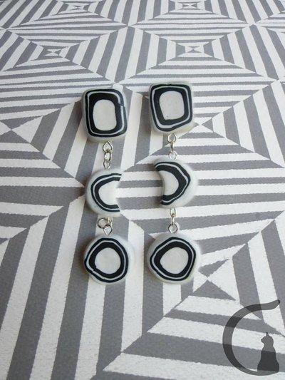 Simpatici orecchini black&white stile astratto