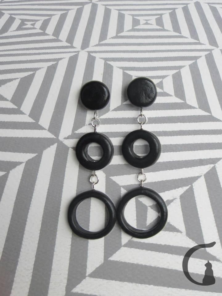 Orecchini pendenti realizzati a mano in pasta fimo - Serie cerchi con buco