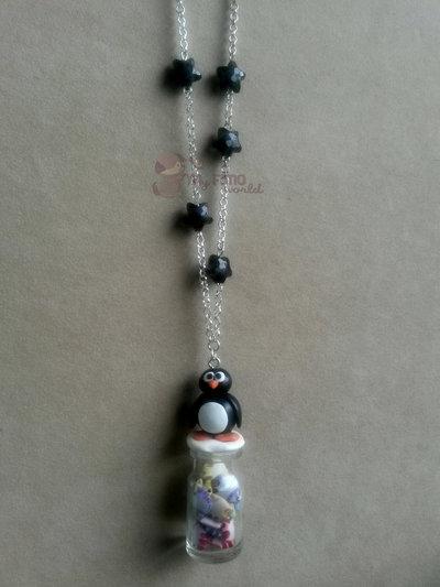 Collana con bottiglietta con pesciolini colorati e pinguino fimo