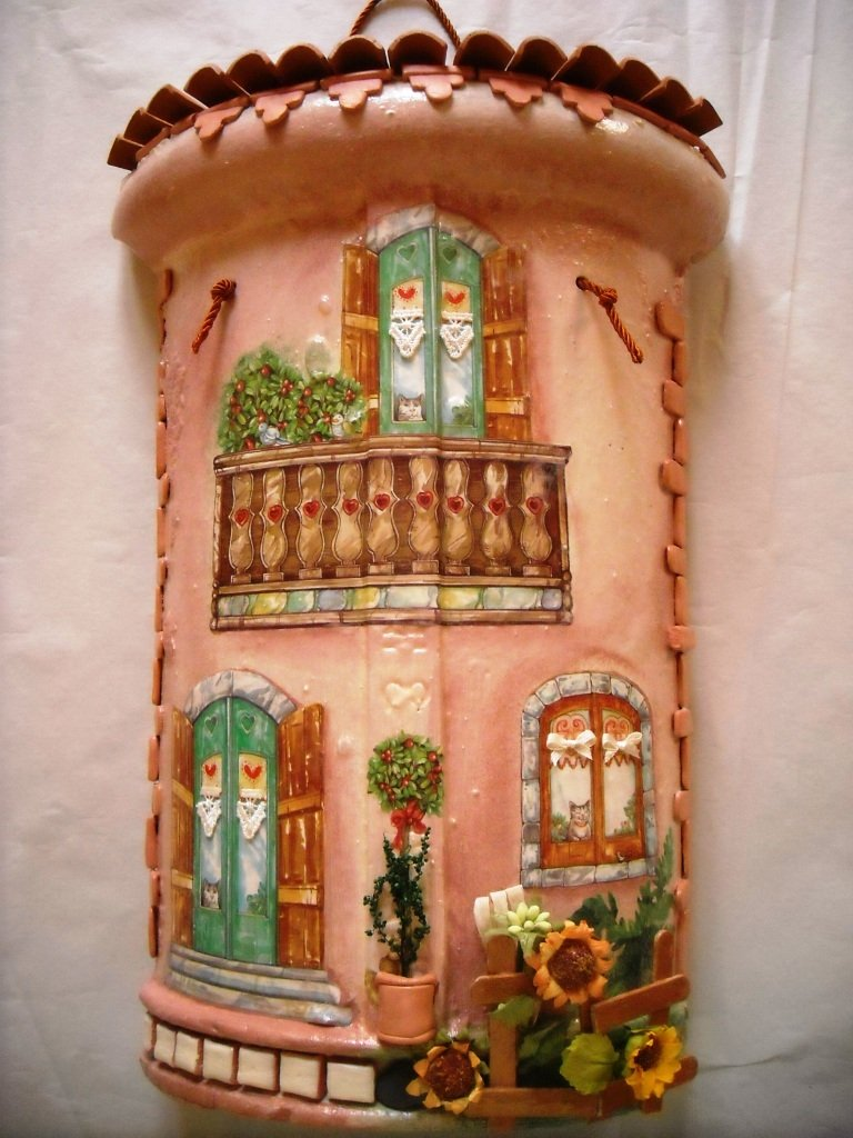 Tegole casa provenzale decorata a mano con tecnica - Tegole decorate in rilievo ...
