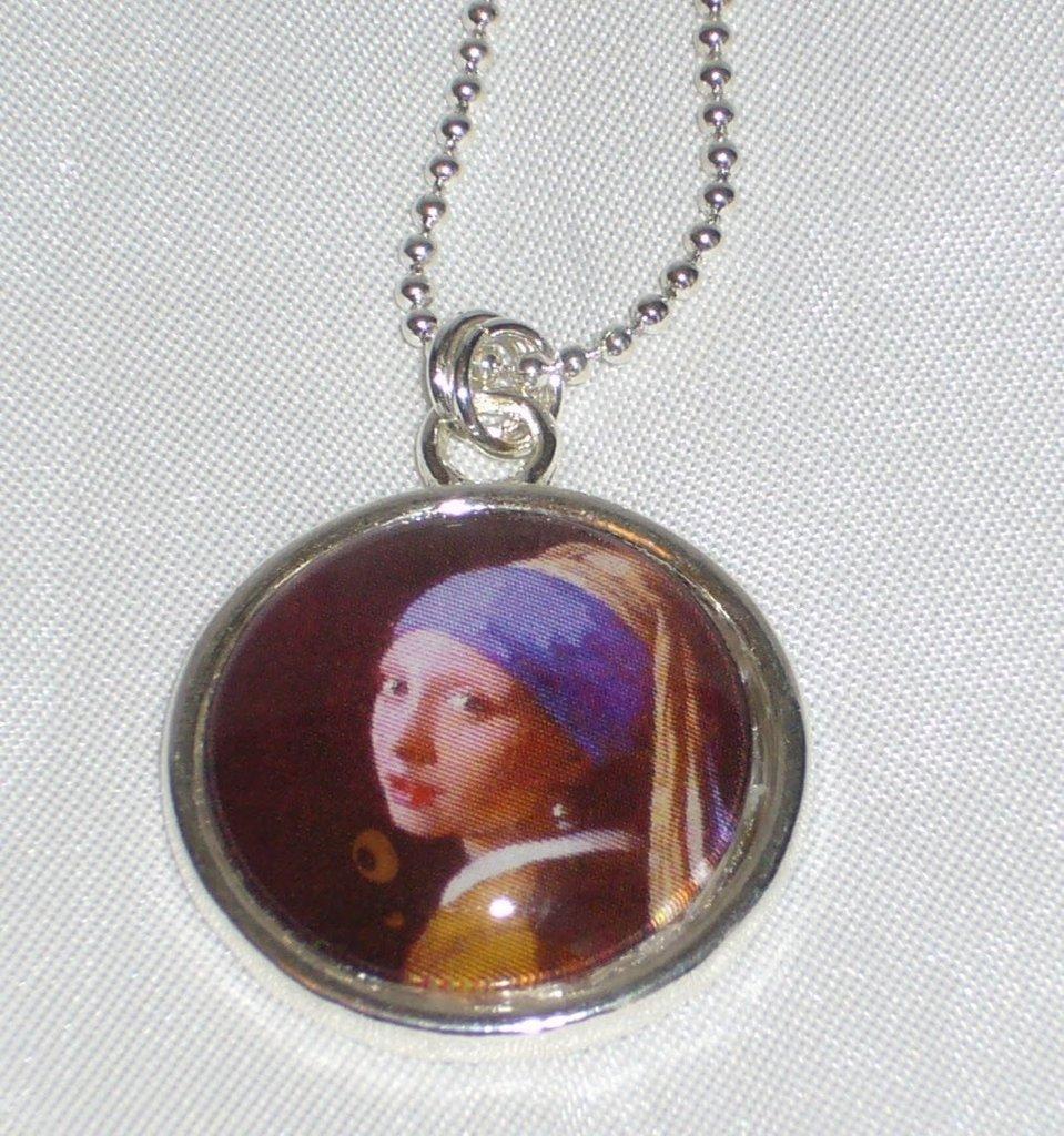 Collana Arte Vermeer, Cammeo in Vetro
