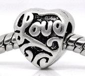 perla cuore scritta love foro largo. 8×9 mm