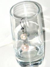 orecchini pendenti con perle