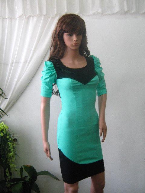 Bellissimo  vestito da donna - nero e verde