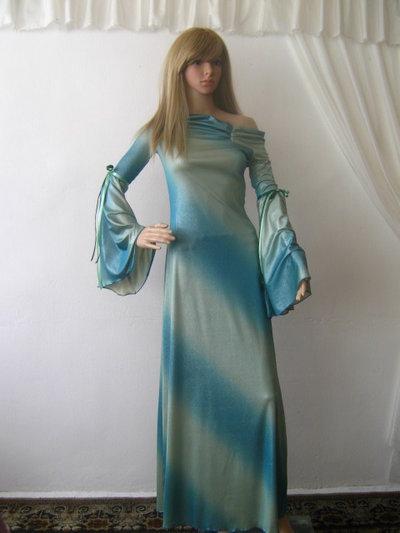 Abito lungo elegante di elastico maglia in argento e turchese