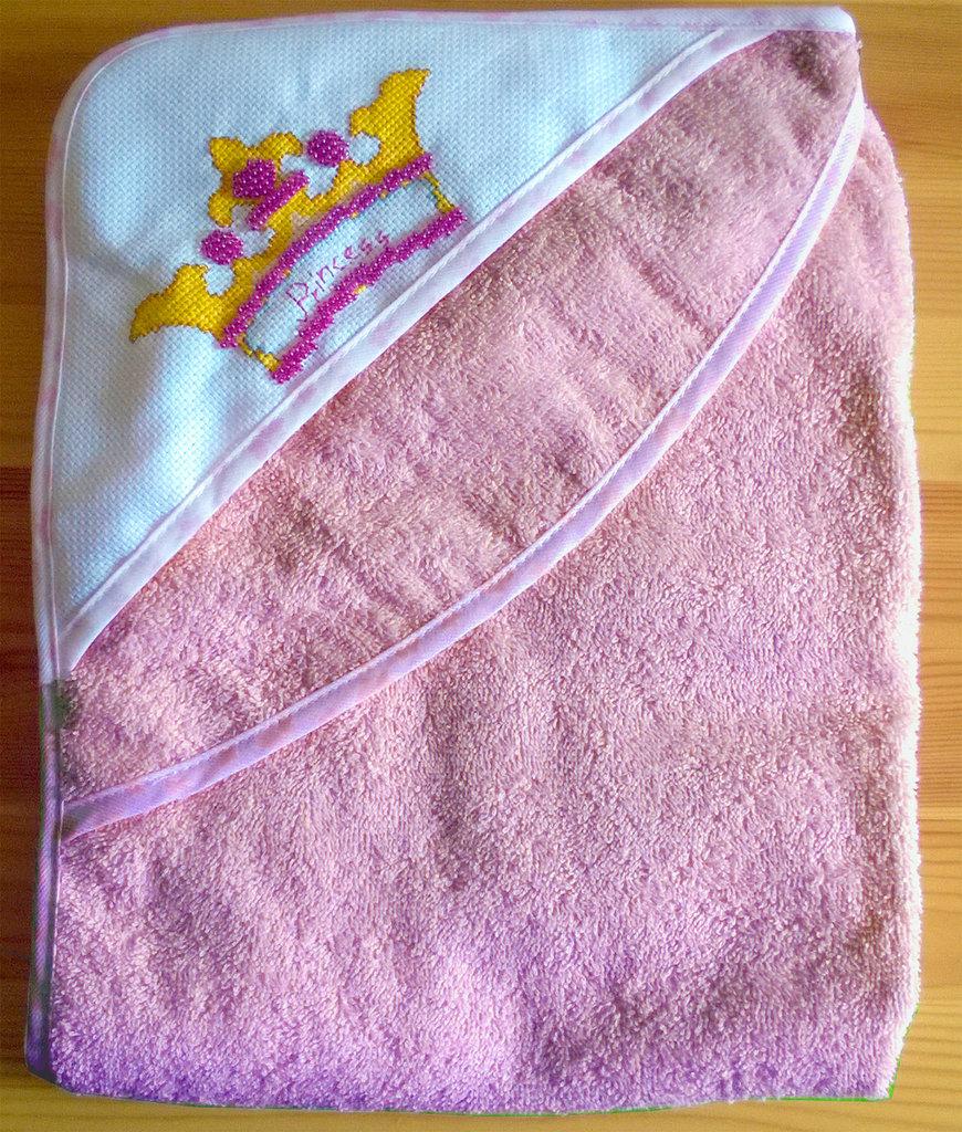 Accappatoio neonata corona ricamato a punto croce con perline