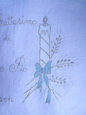 camicina battesimo bianca, in lino ricamata a mano