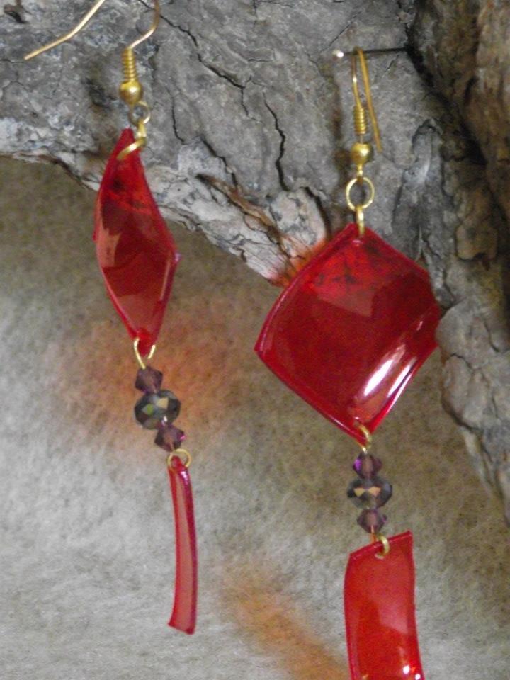 orecchini pendenti rosso acceso