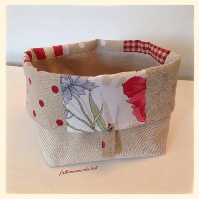 Cestino portapane patchwork in cotone sui toni del rosso ed ecrù