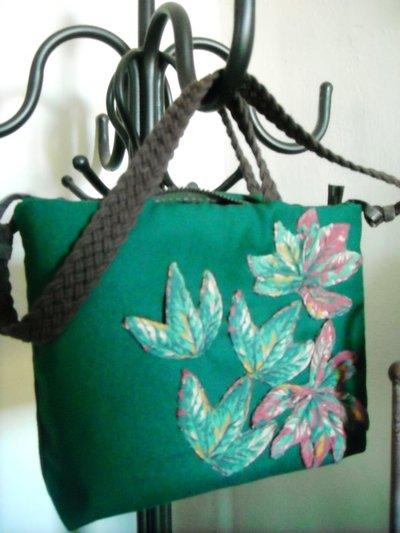 Borsa foglioline verdi, fatta a mano con stoffa ago e filo