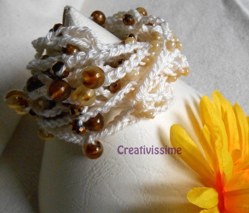 Braccialetto uncinetto e perline fatto a mano bianco panna