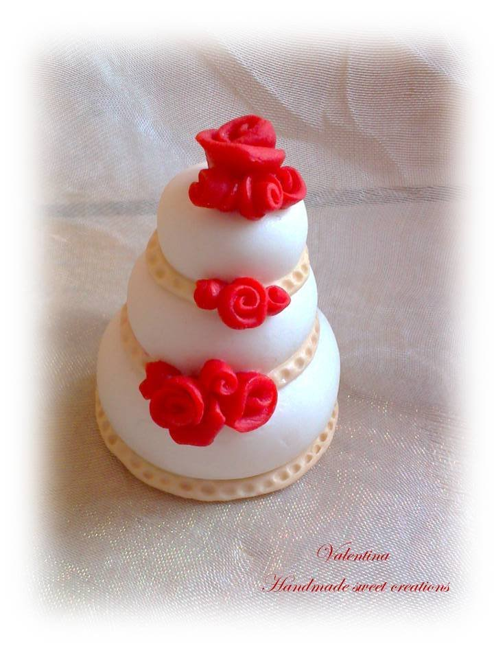 Segnaposto Matrimonio Wedding Cake.Mini Wedding Cake Mini Torta Tortina Con Rose Rosse Segnaposto