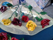 Rose in cartapesta