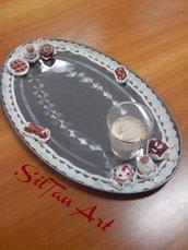 Vassoio decorato con pasticcini