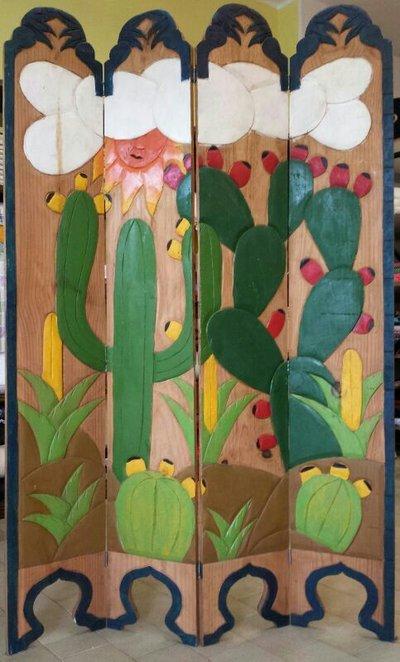 separè in legno scolpito e dipinto