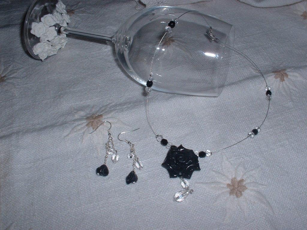black rose parure