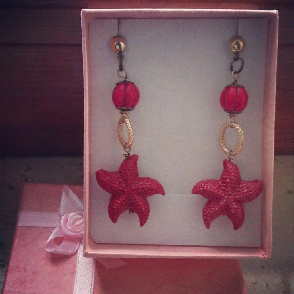 orecchini pendolo stella marina rossa